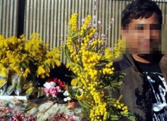 venditore fiori abusivo