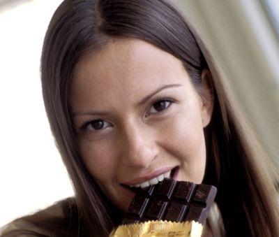 cioccolato forma mente Studio rivela gli effetti benefici del cioccolato fondente sull'elasticità mentale
