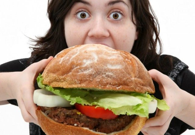 donna mangia