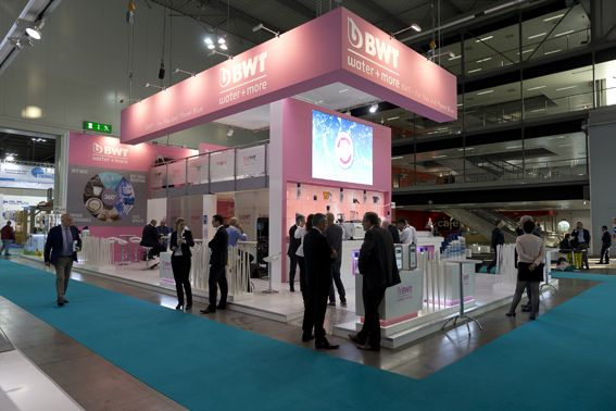 Host stand bwt more