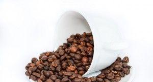 chicchi caffè tazza