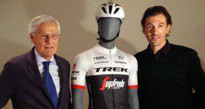 Alberto Contador con Massimo zanetti sponsor ciclismo