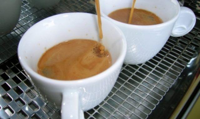 luoghi comuni tazzine espresso Un espresso al bar