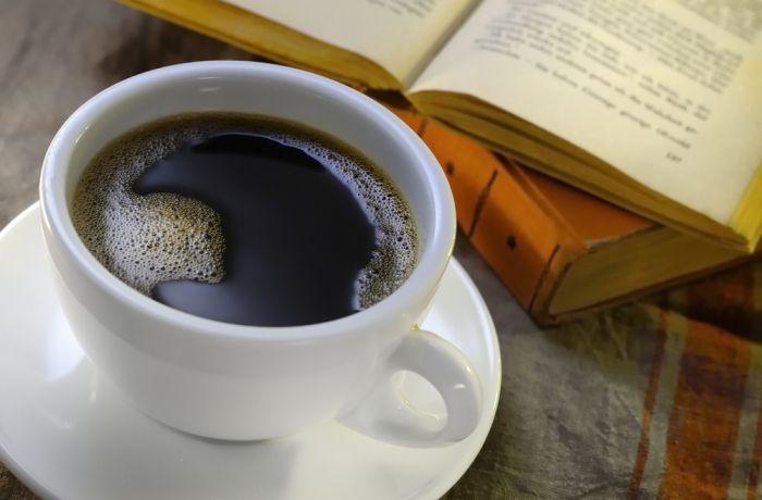 sandy storie coffee book libri per l'estate