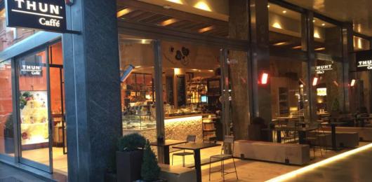 Thun apre il suo primo caff a milano nei piani 80 for Piani di casa rambler con seminterrato sciopero