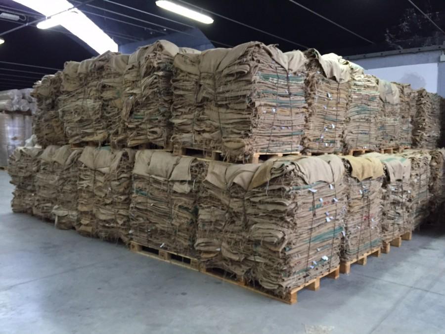 Famoso Così i sacchi di juta del caffè vengono riciclati come tessuti per  SL36