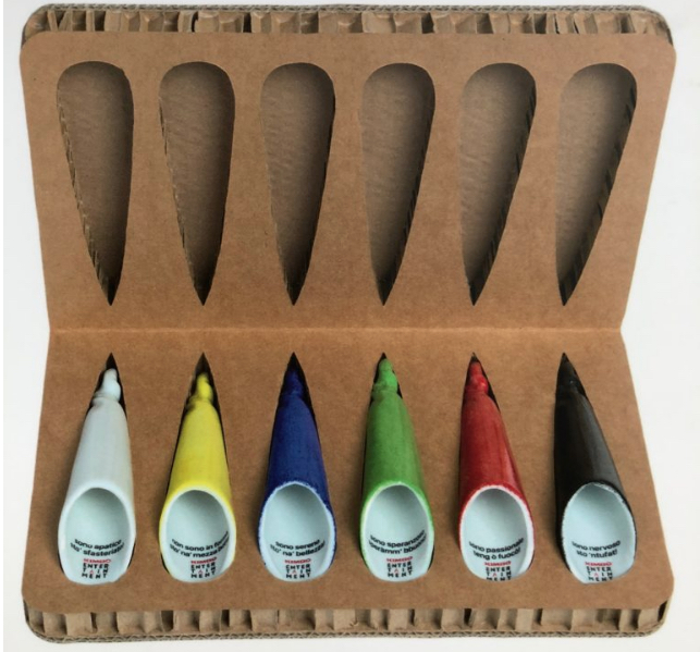 I coppetielli, che Kimbo ha interpretato in una versione in ceramica, da usare con la classica caffettiera napoletana per evitare l'uscita dell'aroma durante la preparazione dell'espresso