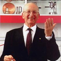 Ernesto Illy (Trieste, 18 luglio 1925 – Trieste, 3 febbraio 2008) è stato un imprenditore e scienziato italiano