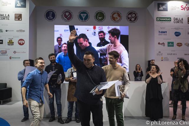 La premiazione di Emanuele Tomassi, campione italiano Roasting al termine della gara disputata al Sigep 2018