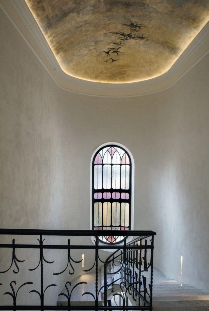 Un particolare dell'interno, il soffitto, dell'Accademia Vergnano