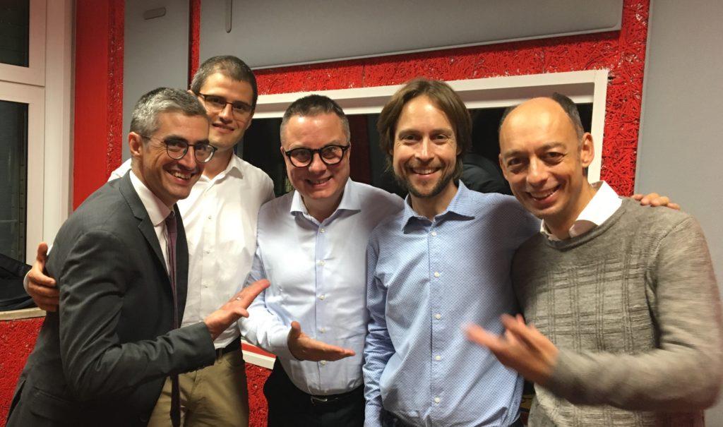 Andrej Godina con i conduttori di Executive Lounge