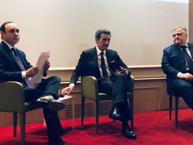 Un momento della conferenza stampa: da sinistra Giancarlo Strada, Andrea Zocchi e il designer Bonetto