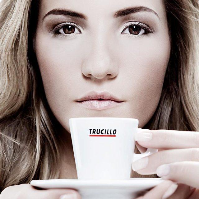 Antonia Trucillo non si occupa soltanto dell'Accademia dell'azienda di famiglia ma è anche la protagonista della pubblicità