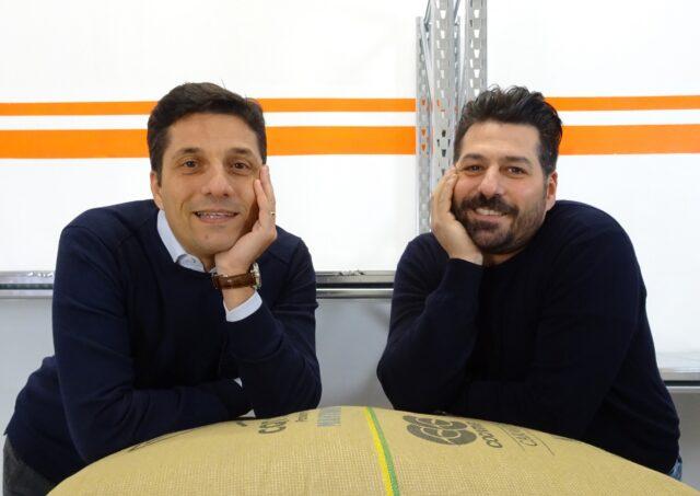 I fratelli Andrea e Davide Cobelli, fondatori della micro torrefazione Garage Coffee Bros.