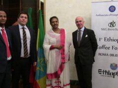 Ethiopia Coffee Forum Da sinistra: Nebiyu Bogale (Minister Counsellor), Uberto Marchesi (responsabile Paesi africani per NKG Bero Italia), S.E. l'Ambasciatore Zenebu Tadesse Woldetsadik e Fabio Frontani (Amministratore Delegato di NKG Bero Italia)