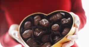 La classica scatola di cioccolatini a forma di cuore per San Valentino