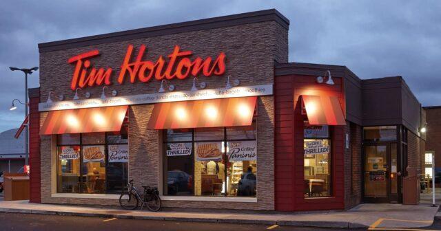 Un locale della catena canadese Tim Hortons