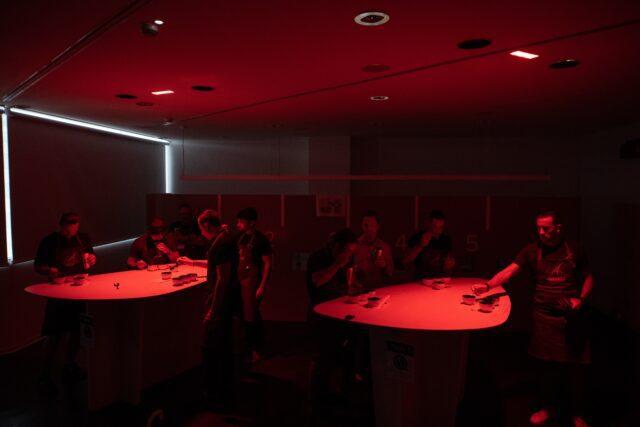 La sala a luce rossa per il corso Q grader