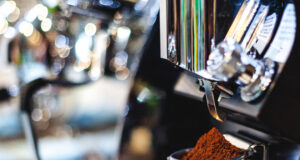 Aicaf Italian Coffee Certificate Un dettaglio di una macchina da caffè espresso professonale