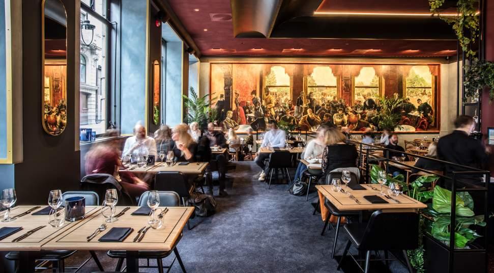 caffè storici Uno scorcio degli interni del Grand Cafè di Oslo