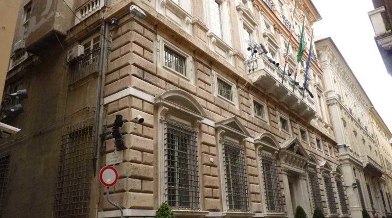 Camera Arbitrale Italiana Caffè Un'altra veduta del Palazzo Tobia Pallavicino, sede della Camera di Commercio di Genova. Detto anche Palazzo Carrega-Cataldi, esso è stato inserito nel 2006 nella lista dei 42 palazzi iscritti ai Rolli di Genova riconosciuti Patrimonio dell'umanità dall'Unesco