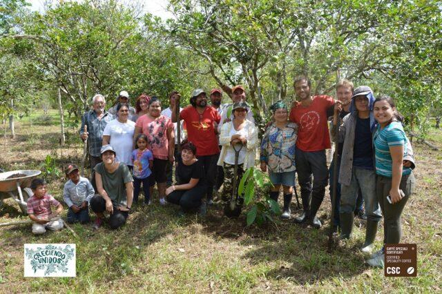CSC_Guatemala_gruppo csc amka Foto di gruppo in campagna