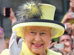 Buckingham Palace regina elisabetta chocolate perfection pie