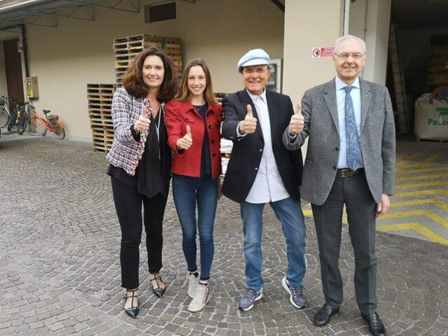 Foto Sardella dersut sardella Da sinistra a destra: Lara Caballini di Sassoferrato, Giulia Caballini di Sassoferrato, Luca Sardella e Giorgio Caballini di Sassoferrato