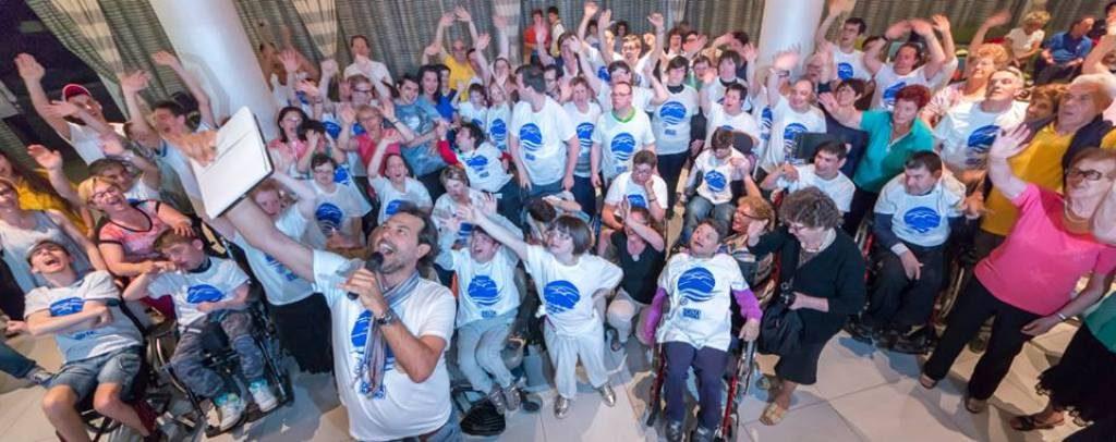 Handicamp foto di gruppo Foto di gruppo con i partecipanti a una passata edizione di Handicamp