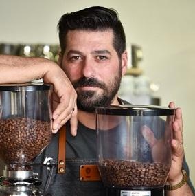 برادران قهوه گاراژ Davide Cobelli.