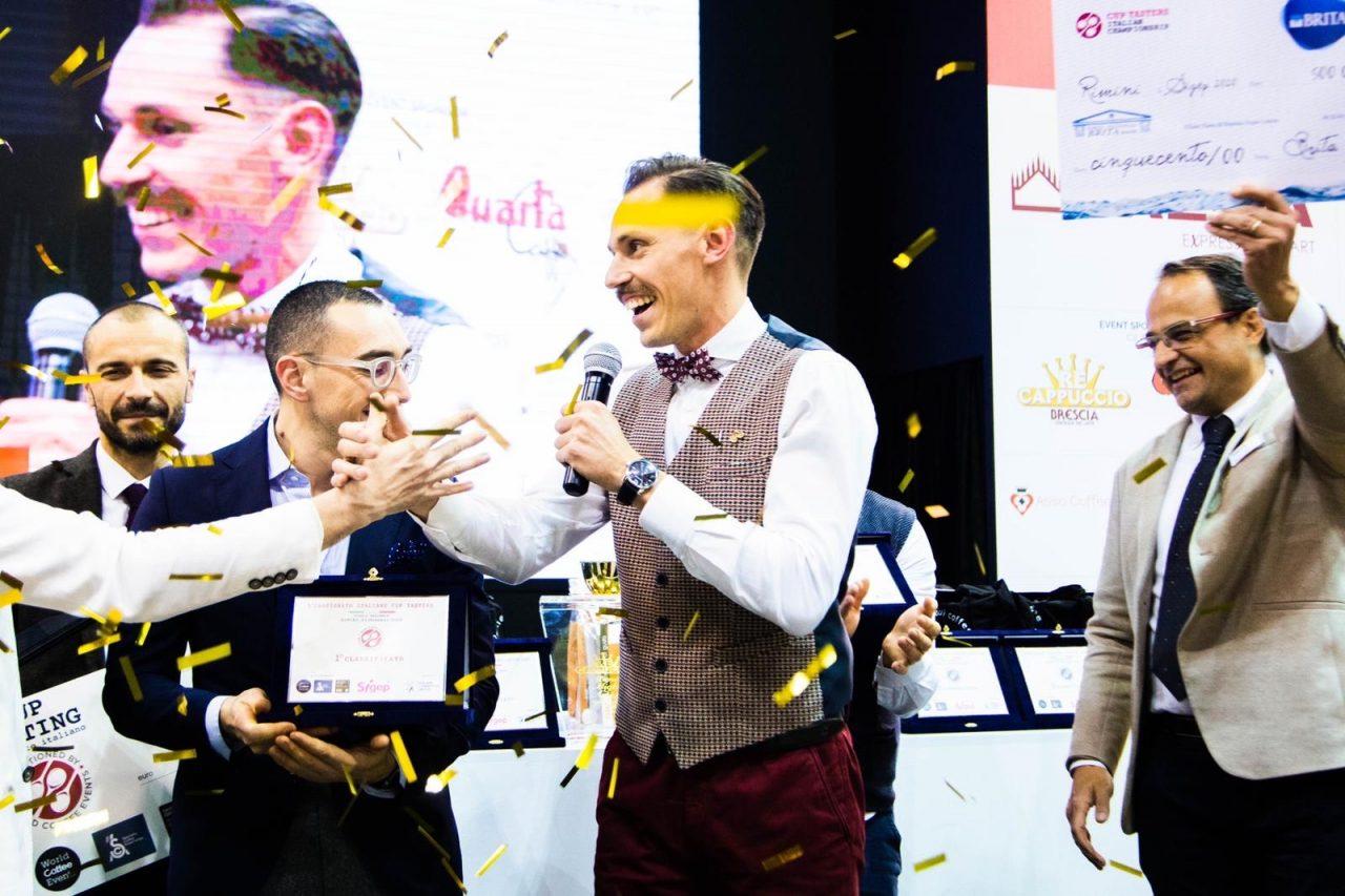 Il trionfo di Fabio Dotti sul podio della Tasters Cup