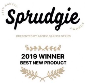 La coccarda del premio Sprudgie Best new product attribuito della rivista americana Sprudge a La Marzocco KB90 per le sue caratteristiche tecniche all'avanguardia