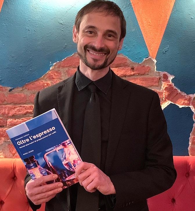 Alessandro Galtieri con il suo manuale