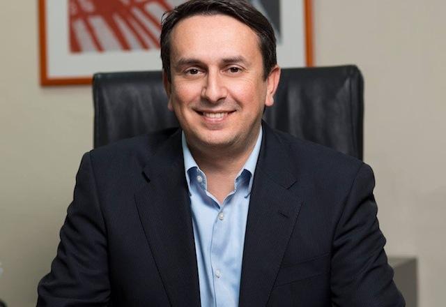 جانیس آپوستولوپولوس